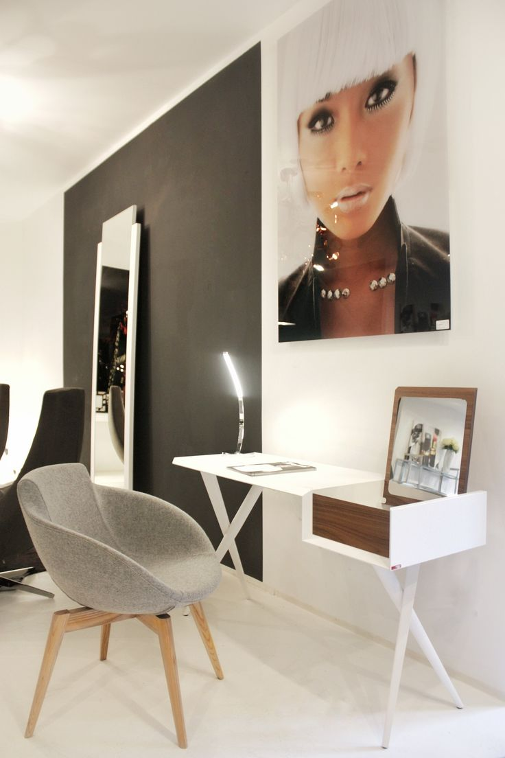 17 best ideas about furniture showroom on pinterest showroom showroom design and display design. Black Bedroom Furniture Sets. Home Design Ideas