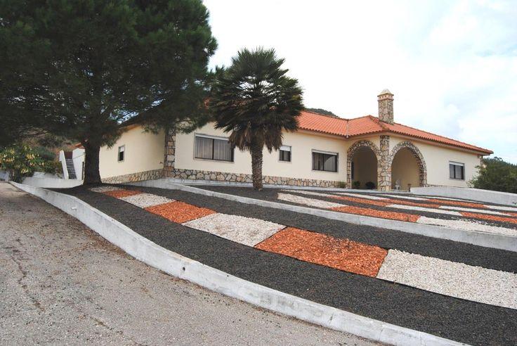 Quintinha c/ moradia e terreno c/ 6.080 m2 - Cercal - Cadaval