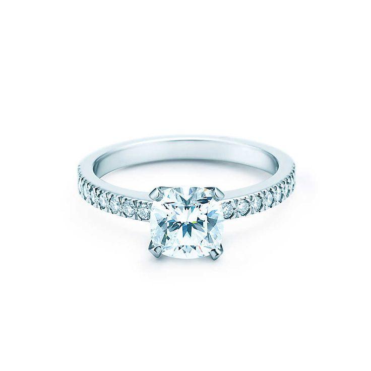 tiffany & co. engagement ring. novo.