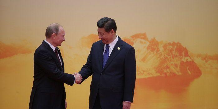 Пол Крейг Робертс: Хладнокровие Путина спасает мир от ядерной войны Читать далее: http://ukraina.ru/news/20150118/1011818243.html