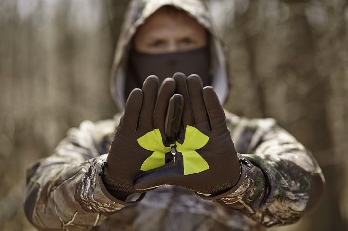 You'll want these Under Armour scent control gloves for your next hunting trip