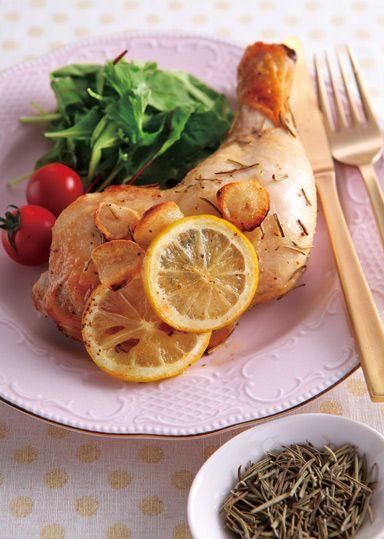 鶏肉のローズマリーレモングリル のレシピ・作り方 │ABCクッキング ... 爽やかな香りがくっきりと立ち上るローズマリーは、肉や魚と好相性のハーブです♪コクのある鶏もも肉もローズマリーで爽やかに!