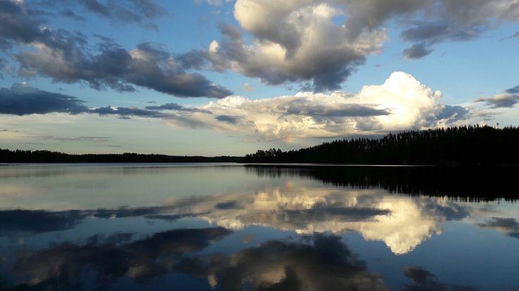 Pikkiriikkinen sateenkaaren pätkä. #rainbow #sateenkaari #lake #Puula