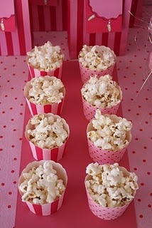 I love this idea of serving popcorn in pretty pink containers ~ perfect for a girl's night out.