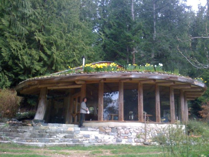 cob house plans | Cob House in Flower//// windows in front...rock front.