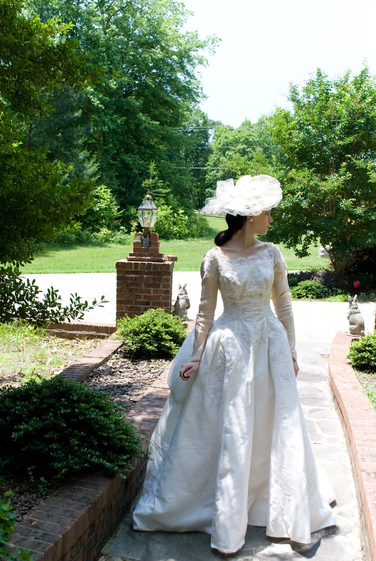 #wedding #dress #sleeve #sleeves #modest #bridal #gown #lace #vintage
