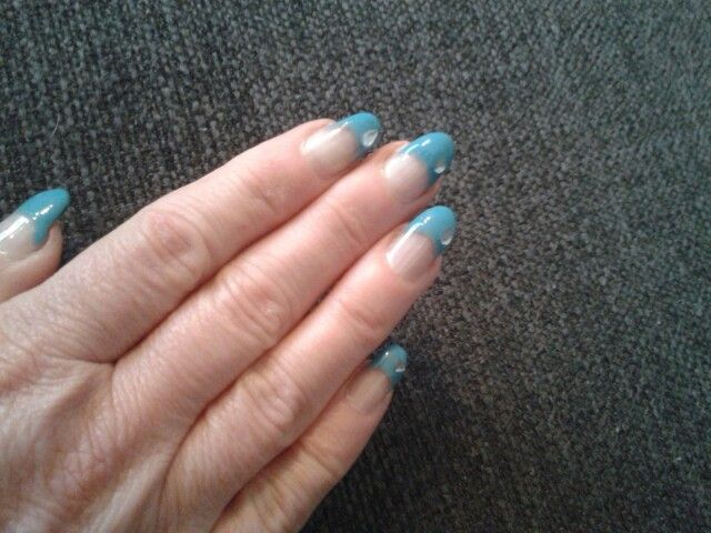 Blauwe nagels.