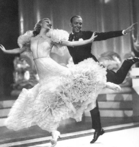 fred astaire& Ginger Rogers, sus increíbles bailes y los espectaculares vestidos de Ginger.
