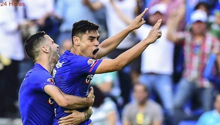 Felipe Mora marcó su quinto gol con Cruz Azul en triunfo ante Santos Laguna por Liga MX