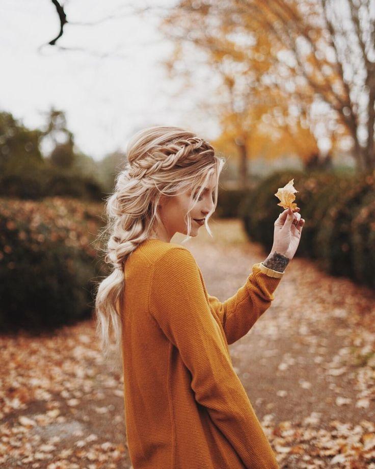 Blondinen Und Blätter