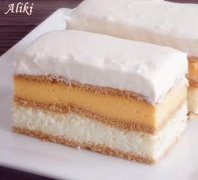 Υλικά   Για την Άσπρη κρέμα   800 ml. γάλα  80 γρ. σιμιγδάλι  4 κουτ. σούπας ζάχαρη  2 φακελάκια βανίλια  4 ασπράδια + 4 κουτ. σούπας ...