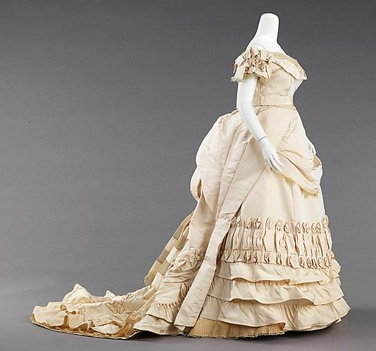 1872 Ball Gown by House of Worth, Paris: Charles Frederick, Frederick Worth, Ball Gowns, Fredrick Worth, Historical Fashion, Historical Clothing, Ballgown, Houses Of Worth, Metropolitan Museums
