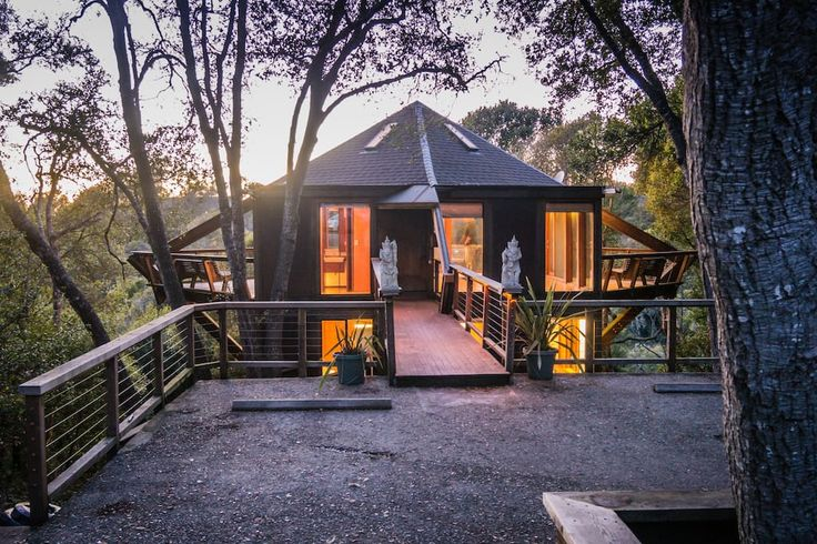 Treehouse in Aptos, United States. Enjoy your ocean view among the treetops.  We're in Santa Cruz County next to a Redwood State Forest, 2 miles from the beach and 8 miles from downtown.  New! 7x7 magazine featured us: 7 Chic Tree Houses Give All New Meaning to Spring Escapes  The ...