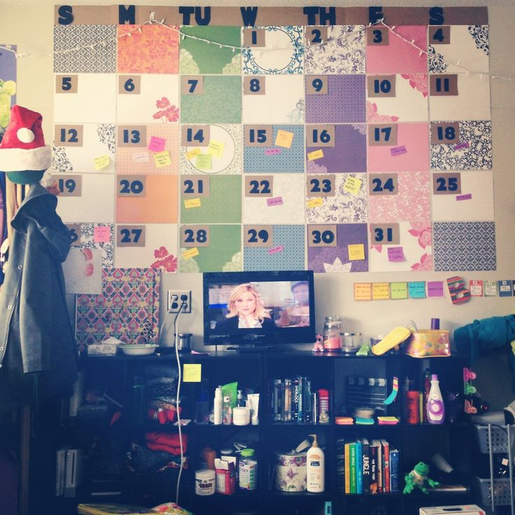 Simple Decorating Ideas To Make Your Room Look Amazing: Dorm Room Wall Calendar! A Super Easy And Creative Way To
