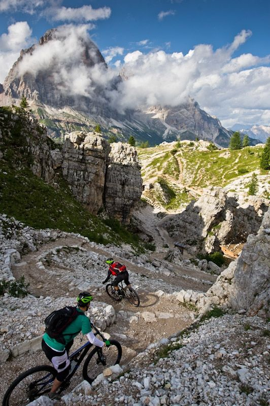 Mountain biking in the Dolomites. Wow. From [FotoReport] Around the Tofana Rozes with the new Trek Fuel EX 8.9 2013 | MTB-Forum.it