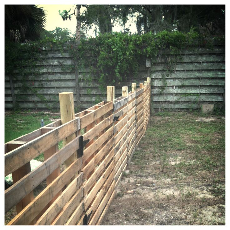 Pallet Fence - Cost Less Then $75!!