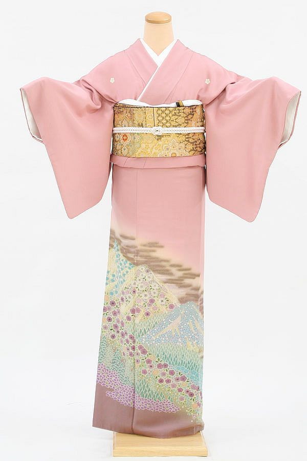 Tomesode | Tomesode – Formal Kimono for married women | WAttention - Discover ...