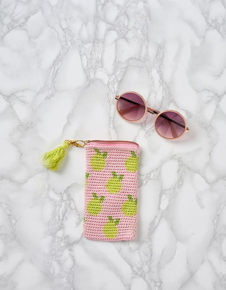 Freshen up your accessories game with this crochet sunglasses case.