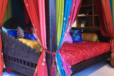 Indian Full Size Canopy Bed