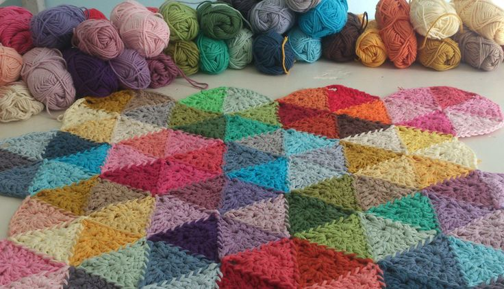 wouldn't this make a beautiful crochet blanket?