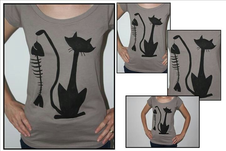 """""""Blck cat 'nd fshbn"""" hand painted t-shirt"""