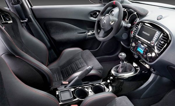 Nissan Juke 2013 (interior) — Efficient,  young, fun, different and small brand new SUV (crossover)