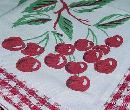 RED Gingham Tablecloth Set Four CHERRY CHERRIES NAPKINS $24.99