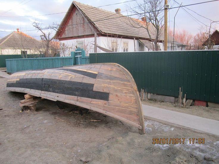 Лодки продолжают у нас строить,из старых и новых материалов.