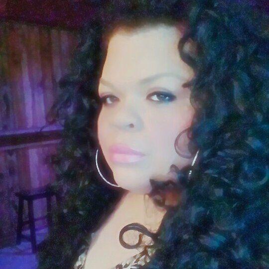 Stacy Layne Matthews • Born Ron Matthew Jones (19 Jul 1984) from Back Swamp, NC • Transitioned to Stacy Jones and resides in Atlanta, GA • RuPaul's Drag Race • Season 3 #trans #transgender #transgenderwoman #dragqueens #untucked #outofdrag #unpainted #menofdragrace #transformations #femaleimpersonation