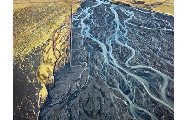 burtynsky's big ideas translate to big pictures | theartmarket.ca - canada's comprehensive art resource