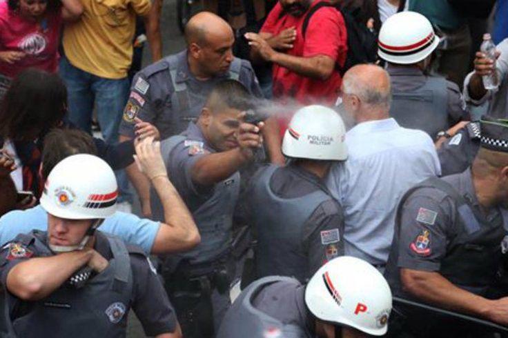 Publicado noExtra Por Felipe Pena,jornalista, escritor e psicanalista. Milhões de trabalhadores sairão às ruas amanhã. Entre as reivindicações estão a defesa da aposentadoria digna, sem a contrar…