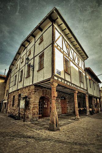 Plaza de La verdura (Texturas). Ezcaray (La Rioja) por Abariltur en Flickr, España