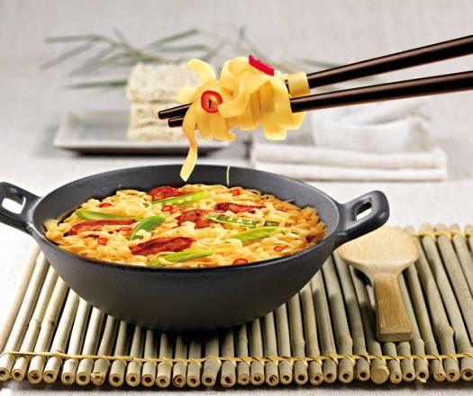 Indonéz wok tészta csirkével és cukorborsóval Recept képpel - Mindmegette.hu - Receptek