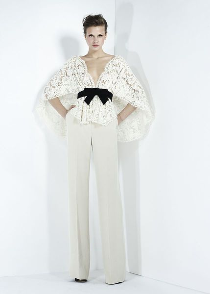 Bridal pantsuit with lace top. Zuhair Murad - Ready-to-Wear - Fall-winter 2011-2012 #bridesinpants