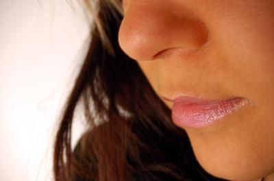 How to Get Rid of Dark Shadow Above your Lip