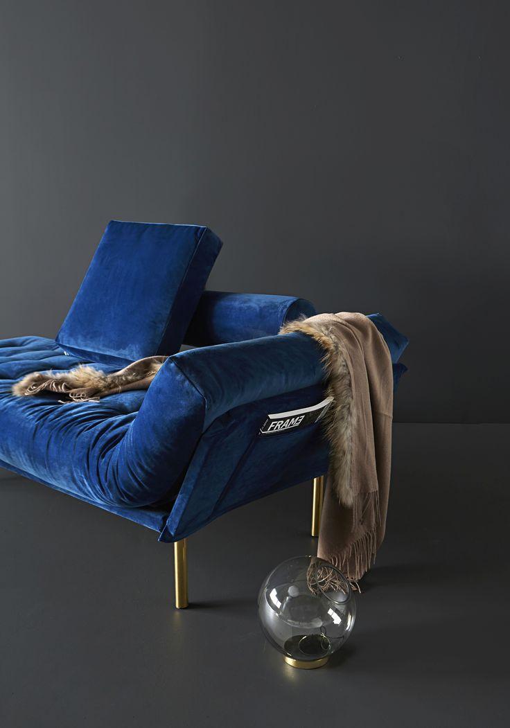 Rollo covered in blue velvet