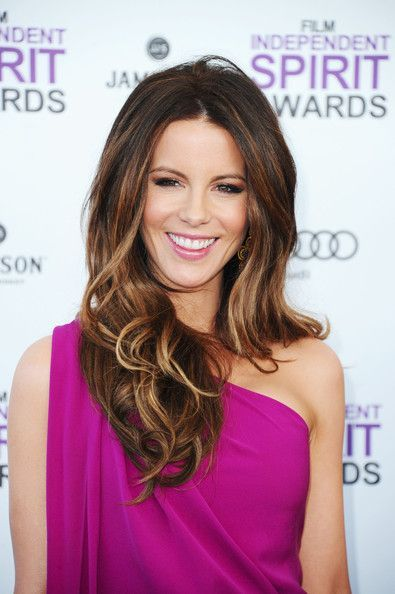 Kate Beckinsale Hair -- dark with honey highlights underneath and at tips