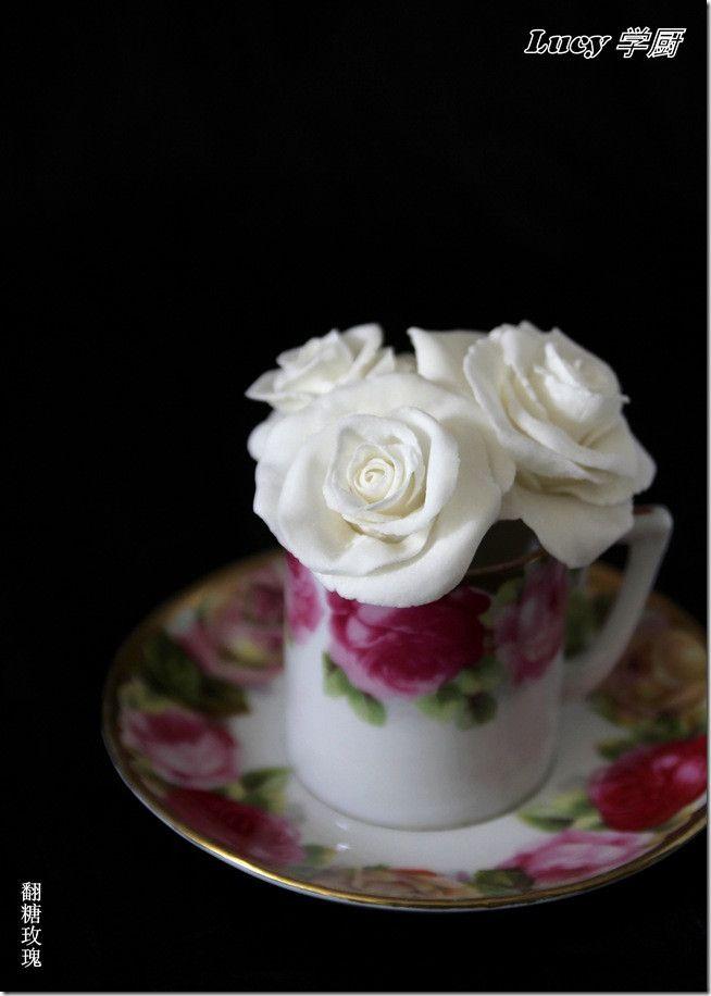 k stliche anleitung f r fondant rose rezepte auf pinterest fondant rose fondant anleitung. Black Bedroom Furniture Sets. Home Design Ideas