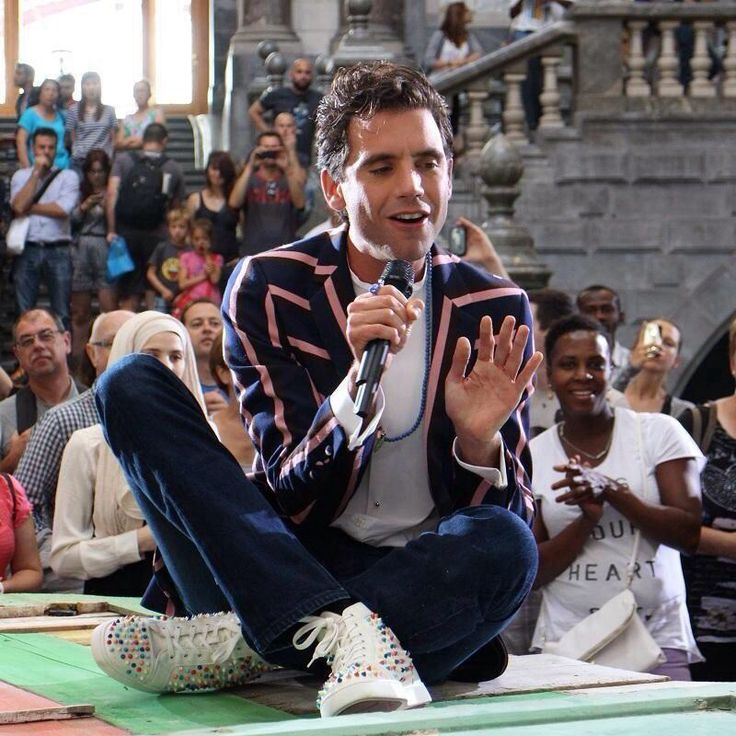 Mika performing Grace Kelly for a commercial in Belgium July 2014