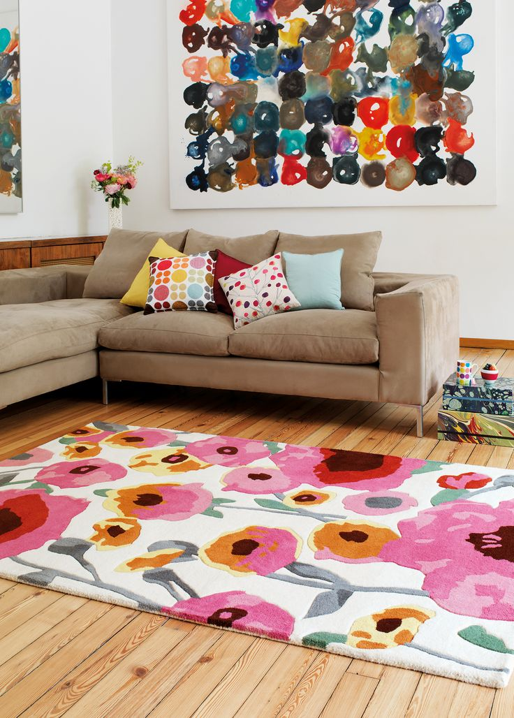 Watercolour Inspired 100% wool Poppy rug scene.
