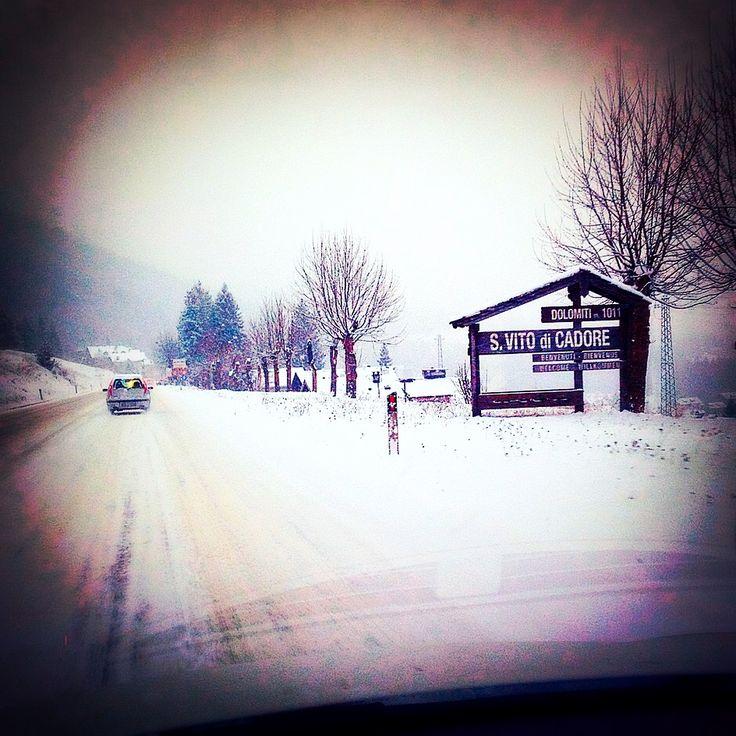 #sanvitodicadore si veste di #bianco ❄️❄️❄️ #neve #dolomiti #consorziocadore #snow #dolomites #winter #winterseason #cadore #inverno #mountains #visitveneto