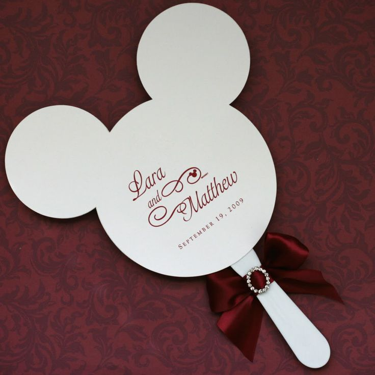 What an adorable idea for a Disney themed wedding or vow renewal! Perfect idea for Castaway Cay with a little beach color. MouseTalesTravel.com