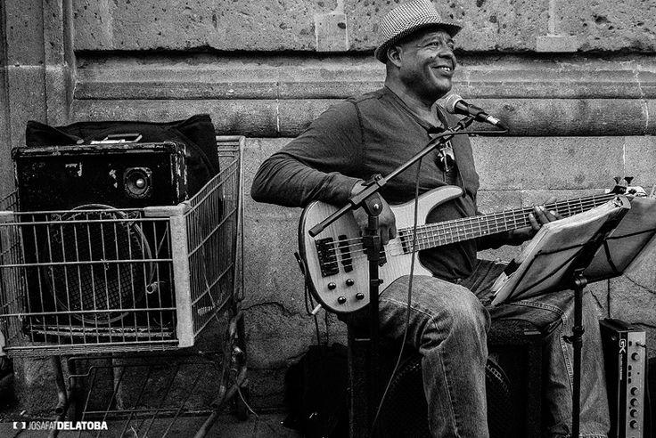 Street Musician in Mexico city  #josafatdelatoba #cabophotographer #landscapephotography #mexicocity #cdmx #musician