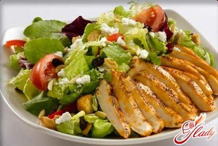 Салат низкокалорийный с креветками