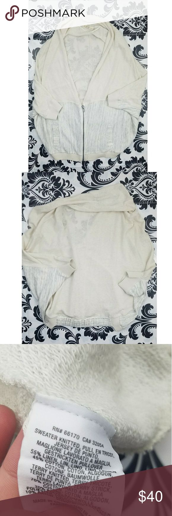 Anthropologie moth zip up Anthropologie moth women's zip up sweater Half sleeve, OVERSIZED zip up Gray and cream colors  Women's Size xsmall Pre Owned good condition Anthropologie Sweaters
