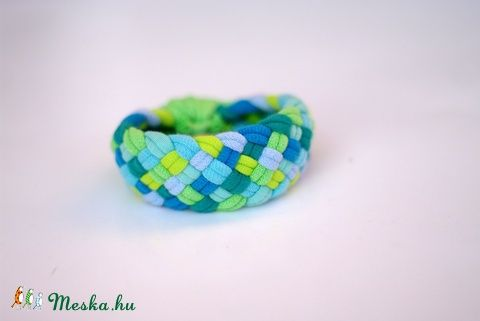 TRIBEQUA - textil karkötő, kék/zöld (cirrhopp) - Meska.hu