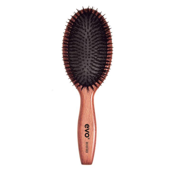 """EVO borstel """"Bradford""""  Gebruik deze borstel voor de dagelijkse verzorging om de conditie van het haar op peil te houden en het haar glad te maken voor opsteekkapsels.  Geschikt voor gebruik op alle haartypen, maar vooral voor lang, dik, golvend / krullend haar.  #evosaveus"""