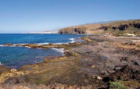 Arona, el destino 'slow' de Canarias donde viven las ballenas http://www.zoomnews.es/193011/estilo-vida/viajes/arona-destino-slow-canarias-donde-viven-las-ballenas