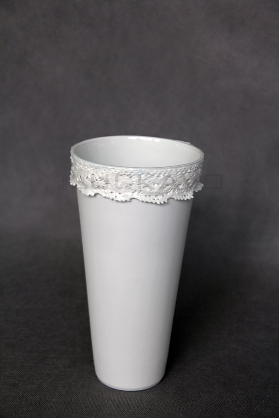 Rococo.I.- porcelain decoration by lace