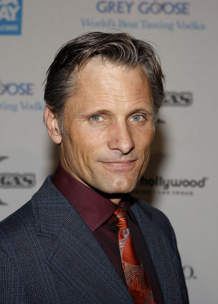 Viggo Mortensen 2016: dating, smoking, origin, tattoos & body - Taddlr